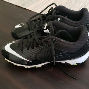 Nike football cleats size 4.5 big boys